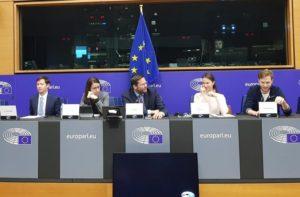 Für Europas Stärke: Ost und West müssen zusammenhalten