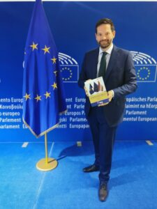 "Jetzt bestellen: ""Kosovo and the EU – state of play"""